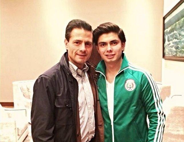 Enrique Peña Nieto y su hijo, Alejandro Peña Pretelini