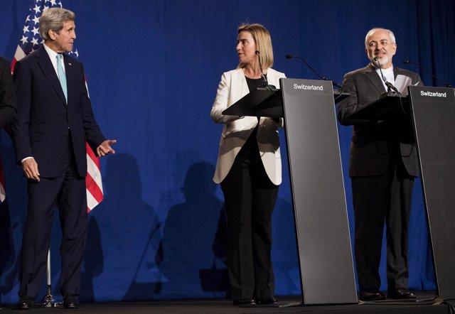 Kerry, Mogherini y Zarif, en comparecencia sobre el acuerdo del 5 más 1 con Irán