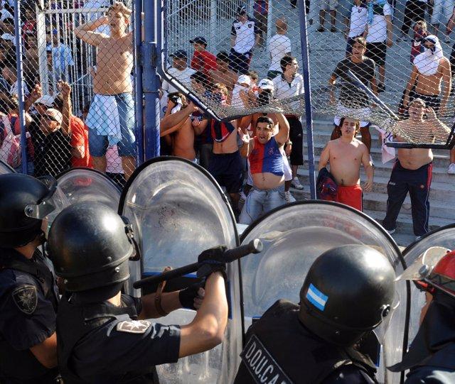 Barras bravas violencia futbol argentino San Lorenzo
