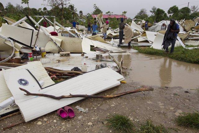 Tormenta tropical Isaac pasa por Haiti