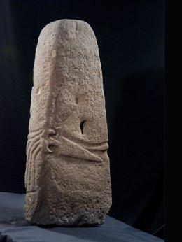 Estatua-estela de Salcedo