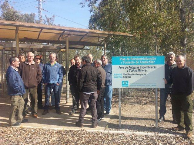 Exmineros de Boliden se concentran ante las instalaciones pidiendo continuidad