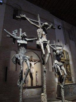 Escultura de Venancio Blanco expuesta en la iglesia de San Juan