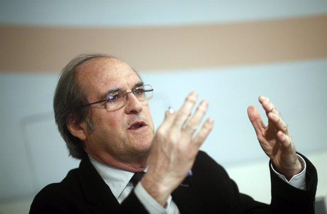 Ángel Gabilondo concede una entrevista a Europa Press