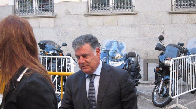 José Antonio Viera, a su llegada al Tribunal Supremo