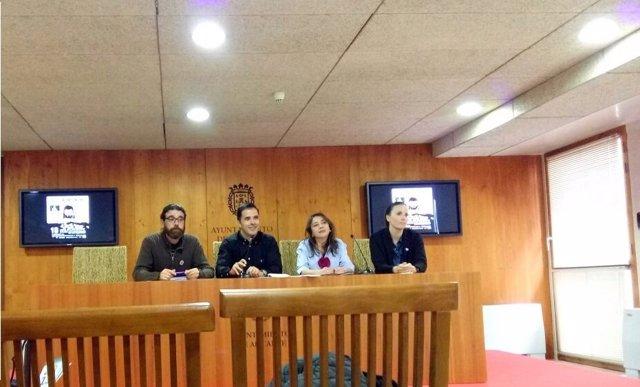 Pablo Sandoval, segundo por la izquierda, en la presentación de las Cigarreras