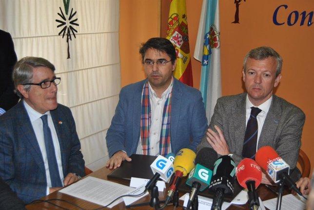 El vicepresidente de la Xunta con miembros Fundación contra narcotráfico.