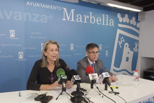 Kika Caracuel y jefe asesoría juridica marbella