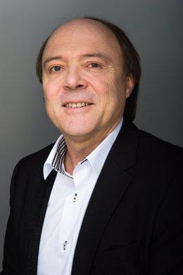 Eric Cador, Vicepresidente Senior Y Presidente De EMEA