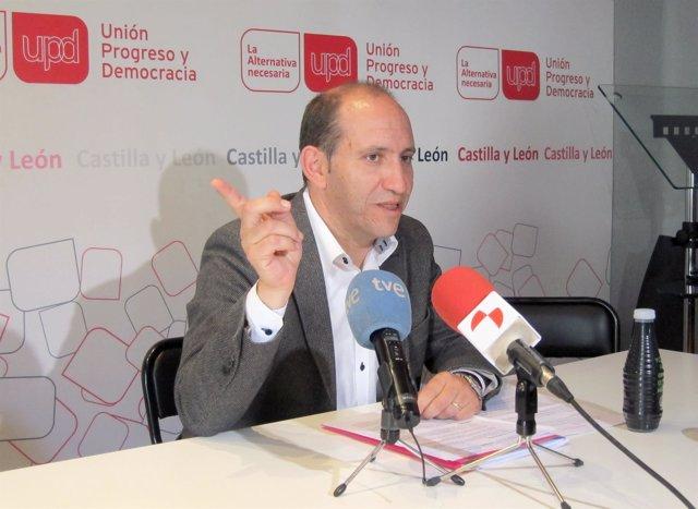El candidato de UPyD a la Alcaldía de Valladolid, César Toquero