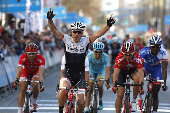 Fabio Felline gana la segunda etapa de la Vuelta al País Vasco
