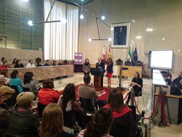 El alcalde presenta el III Plan de Igualdad de Oportunidades