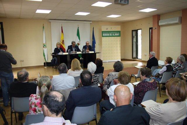 Soledad Becerril en las conferencias.