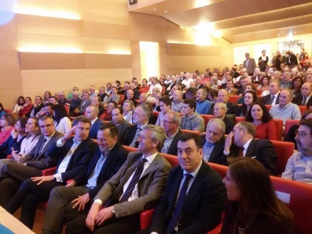 Presentación de candidatura de Hernández en Santiago con Feijóo y conselleiros