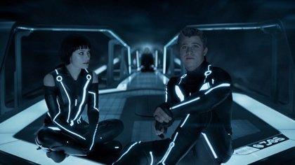 Olivia Wilde y Garrett Hedlund estarán en Tron 3