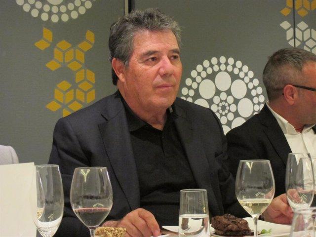 El pte.DeCosmobelleza, Carlos Rodríguez