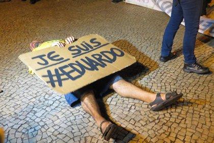 """Manifestantes claman contra el """"genocidio"""" en las favelas de Río"""