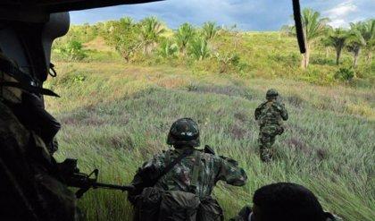 Ataque del ELN contra una base militar deja ocho civiles heridos