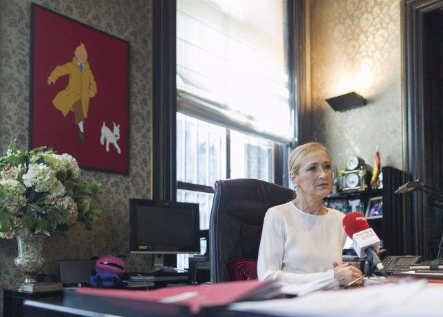 Cristina Cifuentes concede una entrevista a Europa Press
