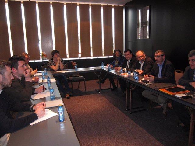 Reunión entre miembros de Ciudadanos y exmiembros de UPyD de Asturias