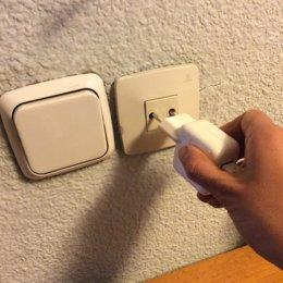 Enchufe, enchufes, electricidad, factura, luz, interruptor
