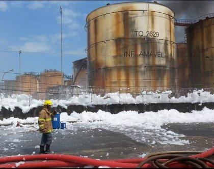 Incendio en Santos impide exportación de 400.000 toneladas de soja