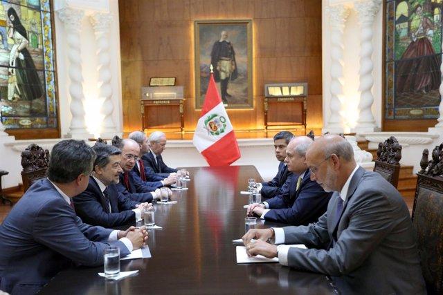 Reunión delegación parlamentaria en Perú