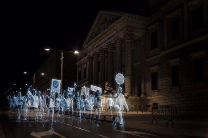 Miles de hologramas de todo el mundo 'protestan' contra la 'ley Mordaza'