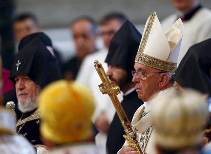 Papa reconoce genocidio armenio y Turquía convoca a embajador vaticano
