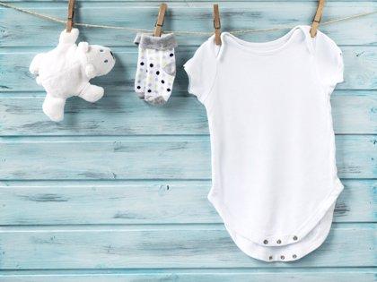 Ropa de bebé imprescindible en la canastilla