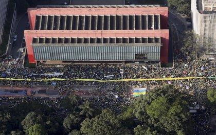Aliados del Gobierno y la OAB rechazan el juicio político a Rousseff en Brasil
