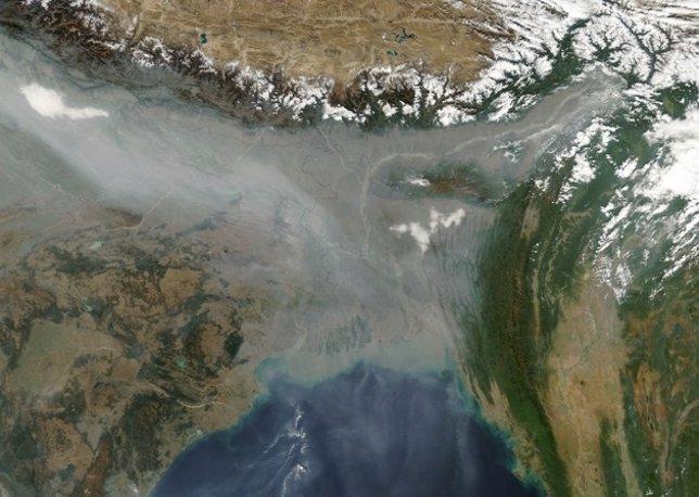 Contaminación al sur del Himalaya