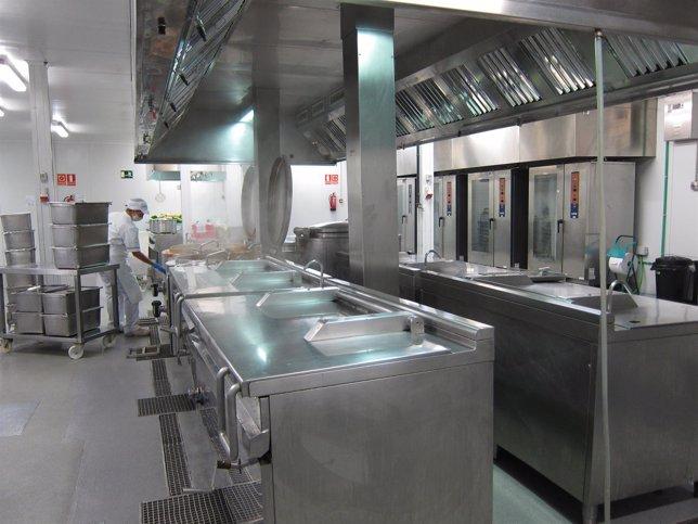 Línea fría, cocina, comedor escolar, Serunión Málaga