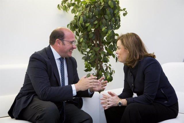 Sánchez y Sáenz de Santamaría en su encuentro