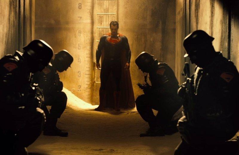 Batman v Superman: 12 imágenes clave primer tráiler oficial