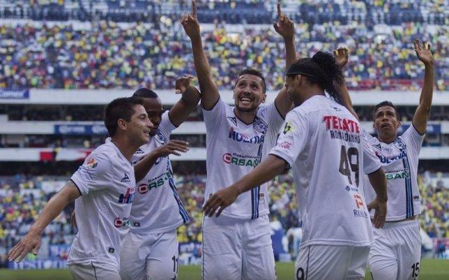 Querétaro gana con gol de Ronaldinho