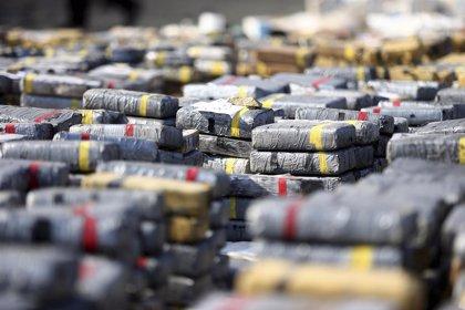 Detenidos dos españoles y un venezolano con más de 2 toneladas de cocaína