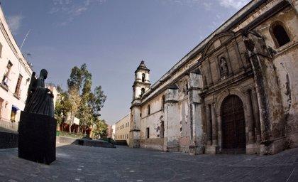 Los restos de Sor Juana Inés de la Cruz reposan en San Jerónimo