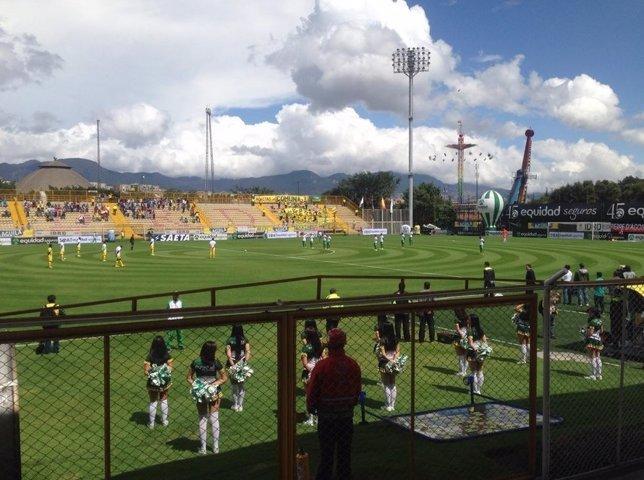 Futbolistas colombianos guardan silencio por soldados muertos por las Farc