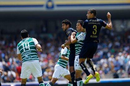 Uruguayo Alcoba da triunfo a Pumas UNAM ante Santos Laguna