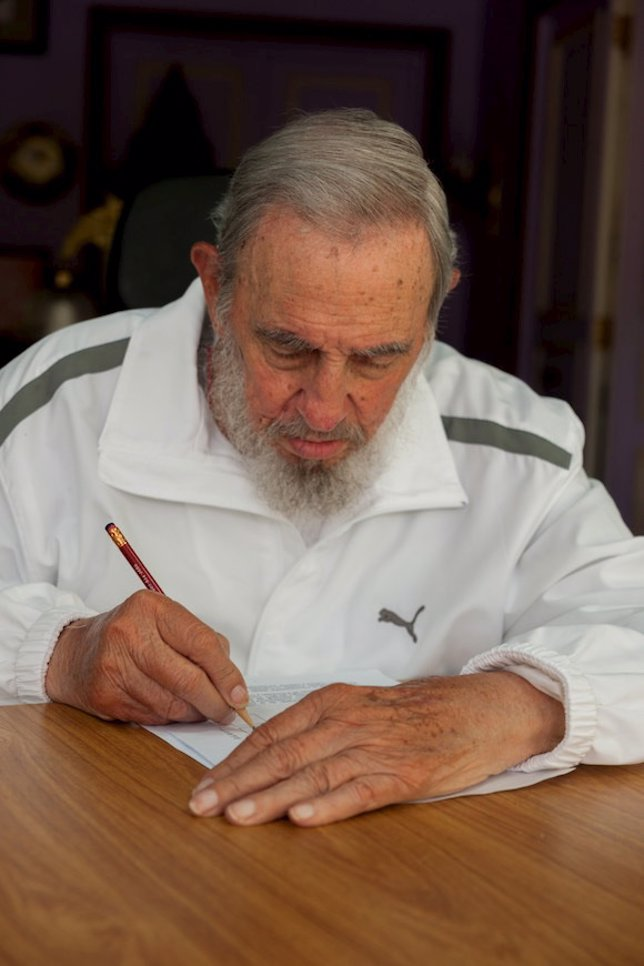 Fidel vota en las elecciones a la Asamblea Municipal