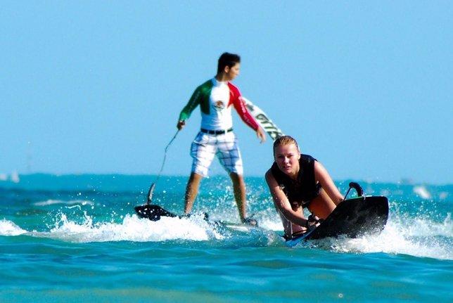 Competición de surf en México