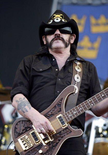 """Lemmy Kilmister: """"Ya sólo fumo un paquete de cigarrillos a la semana"""""""
