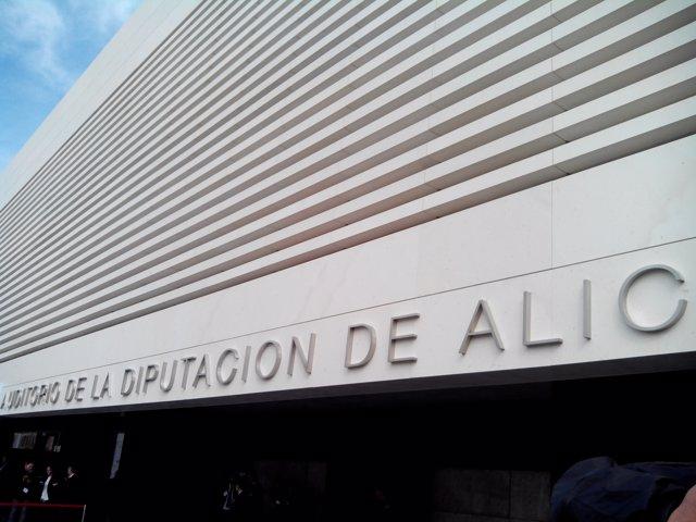 Entrada al Auditorio de la Diputación de Alicante