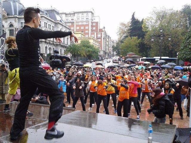 Imagen Del I Zumbathon Solidario Frente Al Cáncer, Celebrado En Noviembre 2013