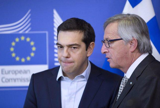 Juncker asegura que no habrá impago de Grecia ni salida del euro