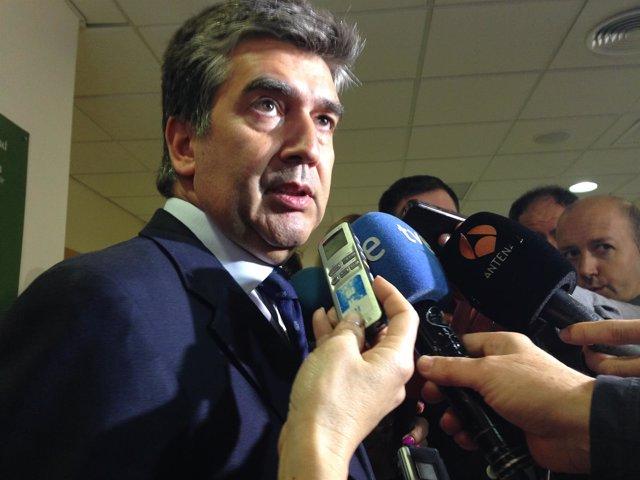 El director general de la Policía, Ignacio Cosidó, en Valencia.
