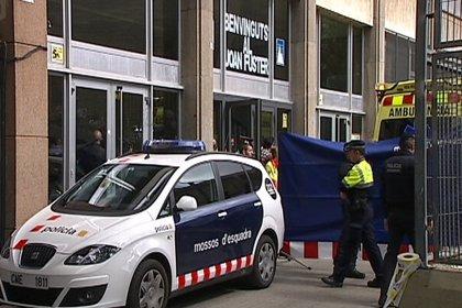 """Los dos alumnos heridos """"evolucionan favorablemente"""" en el Hospital Sant Pau"""