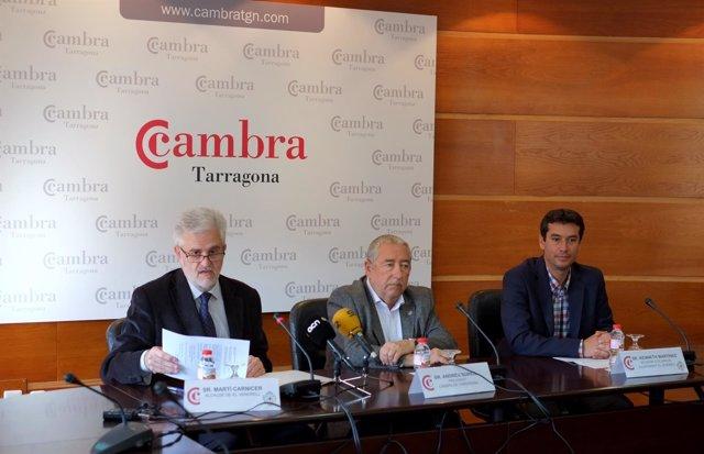 M.Carnicer; A.Suriol y K.Martínez, durante la rueda de prensa