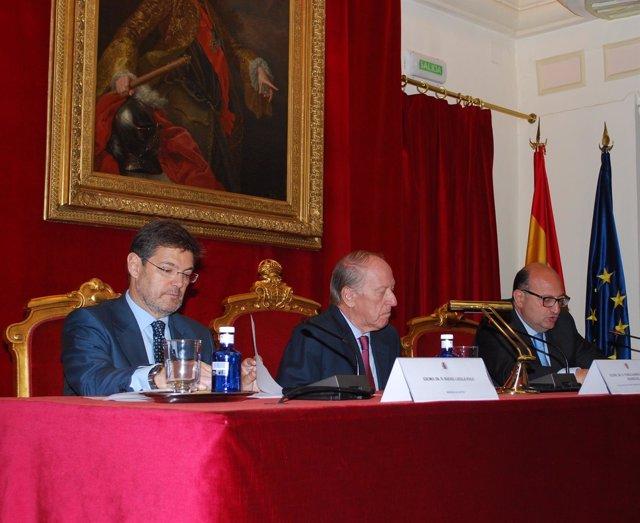 Rafael Catalá y Ramón Alvarez de Miranda en unas jornadas